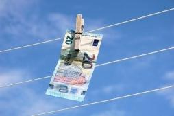 Bundestag beschließt Änderungen im Geldwäschegesetz
